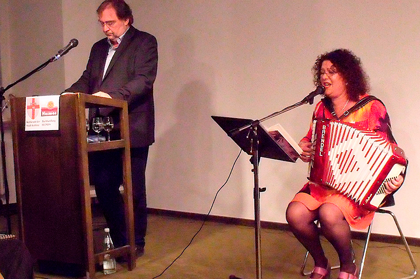 2011-Buchvorstellung-Mirjam-Ghettokind-mit-Odelia-Lazar.jpg